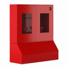 Пожарный стенд металлический закрытого типа (с окнами) с ящиком для песка