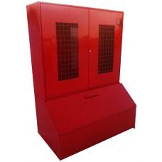 Пожарный стенд металлический закрытого типа (с окнами-сеткой) с ящиком для песка